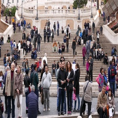 Crowd of tourists visiting the famous Spanish Steps in Rome Stock Footage