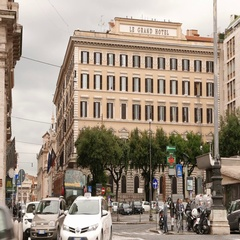Street traffic at Repubblica Square in the city of Rome Stock Footage