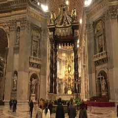 St Peters Basilica in Vatican Rome - important place for catholic pilgrims Stock Footage