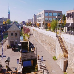 Lockport, NY, USA, 25 OCTOBER 2016: Americans most famous man-made waterway Stock Footage