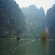 Dry Halong Bay. Ngo Dong river, Ninh Binh, Vietnam Stock Footage