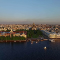 4k aerial shot of Saint-Petersburg with view on river Neva and Isaacs cathedral Stock Footage