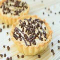 Tartlet with custard and chocolate Stock Footage