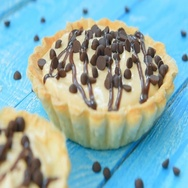 Sweet tartlet with peanut cream and chocolate Stock Footage