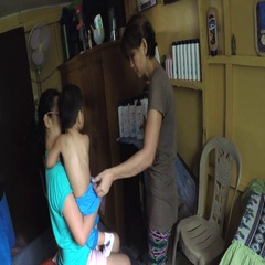 Masseuse hand massage the baby's back Stock Footage