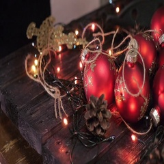 Christmas tree, christmas decoration, pine cone on black background, bokeh Stock Footage