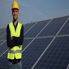 Happy Electricity Engineer Man Presentation Looking Camera Trustful Solar Panels Stock Footage