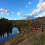 Red barn and pond fall, beauty shot Stock Footage