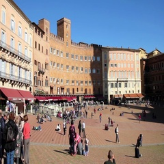 People walking in the Piazza del Campo, Siena, Italy Stock Footage