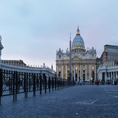 Wide low angle view of dusk at st peter's in vatican city Stock Footage