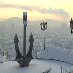 A huge anchor on a background of a winter city. Stock Footage