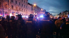 Night stedycam, demonstration against Islam and immigrants, refugees in Prague Stock Footage