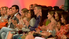 People applauding at a fashion show. Fashion critics applaud at the show Arkistovideo