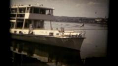 Vie boat Italia arrival editorial Stock Footage