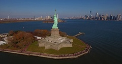 Statue of Liberty Ellis Island NYC Skyline short spin right Stock Footage