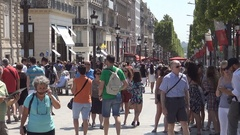 Paris Citylife Peoples and Tourists Strolling on Champs-ÉLysées Boulevard. Stock Footage