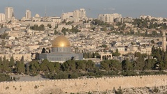 Zoom in close up of dome of the rock from mt olives, jerusalem Stock Footage