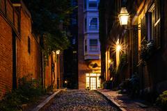 Acorn Street at night  in Beacon Hill  Boston  Massachusetts Stock Photos
