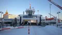 Commuters walk towards Suomenlinna ferry Stock Footage