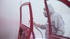 Master while painting the car Stock Footage