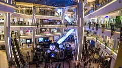 Indoor shopping center latency Stock Footage