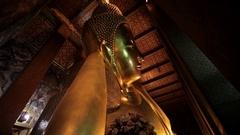WS TD LA Gold reclining Buddha / Wat Pho temple, Bangkok, Thailand Stock Footage