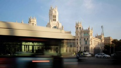 4k timelapse of traffic at late afternoon in the Plaza de Cibeles, in Madrid. Stock Footage