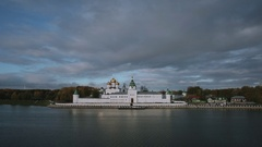 Aerial shot river Kostroma and the Ipatievsky monastery Stock Footage