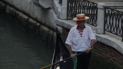 MH TD Gondolier Rowing Gondola / Venice, Italy Stock Footage