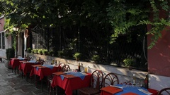 WS LD Sidewalk Cafe / Venice, Italy Stock Footage