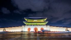 Time lapse of Gyeongbokgung palace and traffic at night in Seoul,South korea.4K Stock Footage