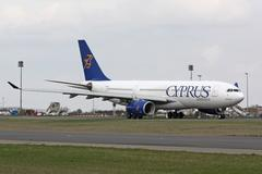 Cyprus Airways Airbus A330 taxis to take off Stock Photos