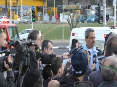 Roni Alsheikh, Chief of Israeli Police speaks to the press during fires in Haifa Stock Footage