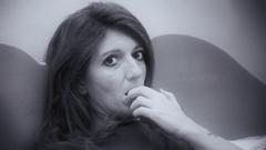 Woman pensive nails noir cu Stock Footage