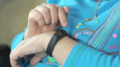 Smart band with display heart rate monitor Arkistovideo