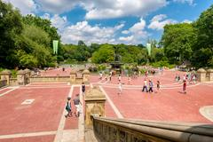 The Bethesda Terrace and the lake at Central Park in New York Ci Stock Photos