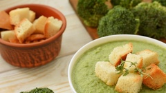 Fresh cream - soup with broccoli Stock Footage