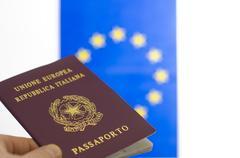 Italian passport and the european union flag Kuvituskuvat