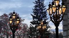 Lanterns in Vienna, Christmas market Stock Footage