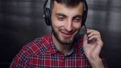 Friendly Call Center Operator in Work Arkistovideo