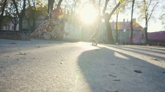 Young man failed flip trick on a skateboard Stock Footage