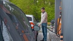 Man Visiting Gas Station Arkistovideo