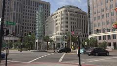 Businessman waits to cross road, Orlando, Florida USA Arkistovideo