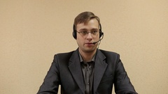 Male customer services operator. Stock Footage