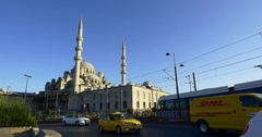 Traffic in front of Yeni Mosque in Istanbul, Turkey Stock Footage