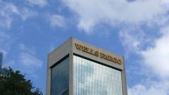 Timelapse of clouds behind the Wells Fargo Building in Jacksonville, Florida Stock Footage