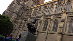 Captain Matthew Flinders Statue, Navigator, St Paul Cathedral Stock Footage