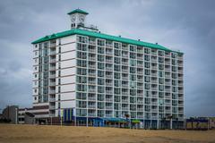 Highrise hotel on the oceanfront, in Virginia Beach, Virginia. Kuvituskuvat