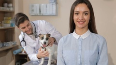 Girl approves veterinarian clinic Stock Footage
