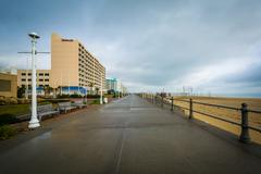 The boardwalk and highrise hotels in Virginia Beach, Virginia. Kuvituskuvat
